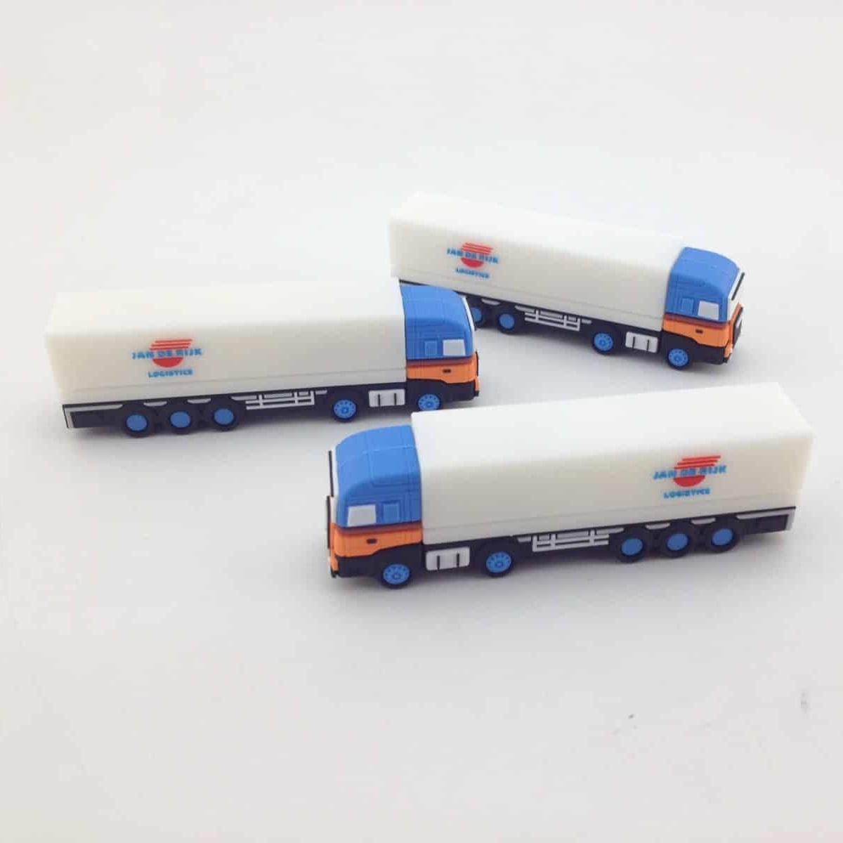 USB-stick vrachtwagen Jan de Rijk als relatiegeschenk