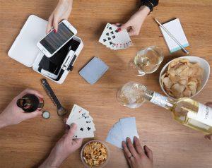 revolutionaire telefoonkluis kun je genieten van diners en effectief vergaderen zonder deze afleiding.