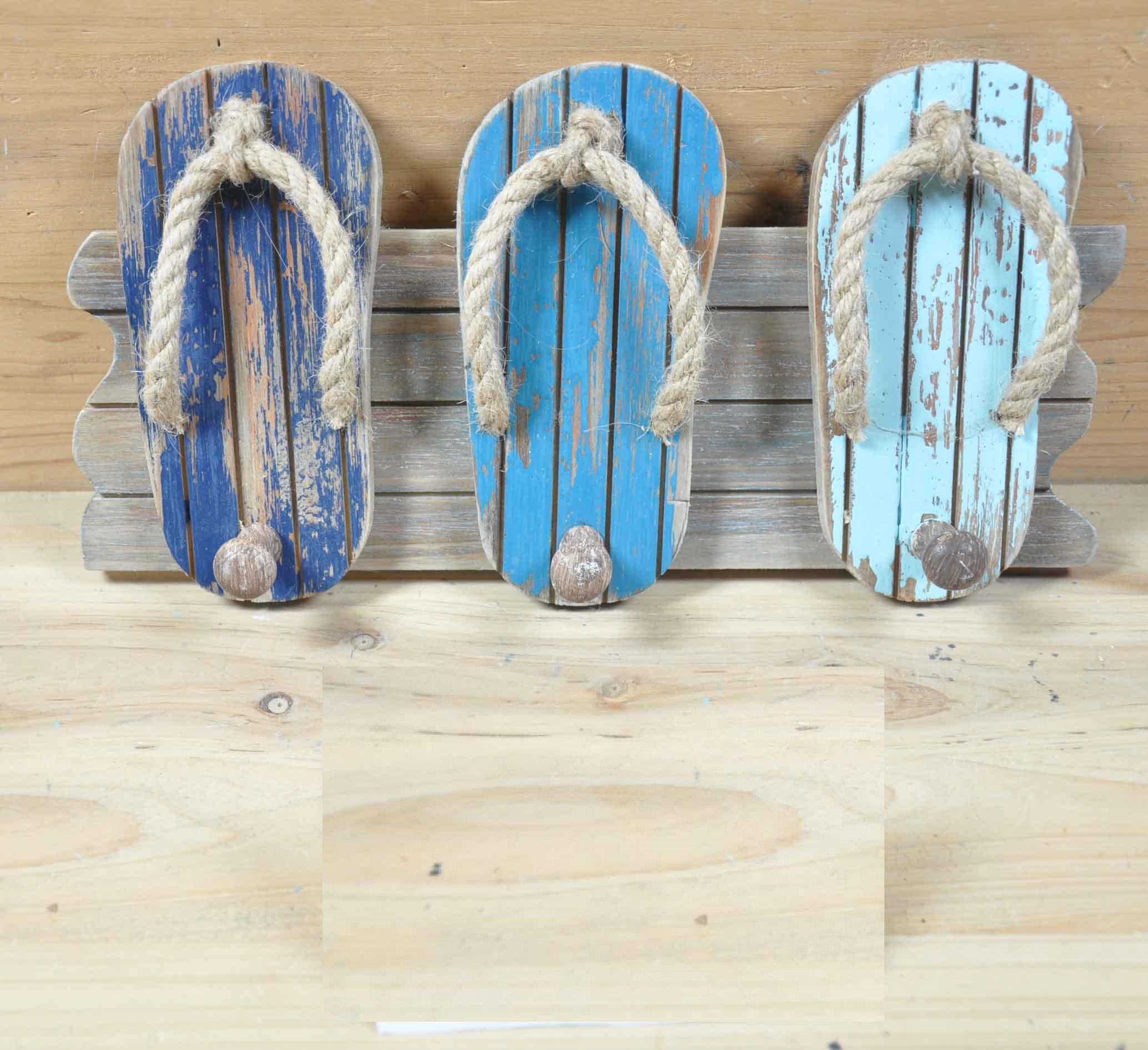 Wooden flip flops als relatiegeschenk
