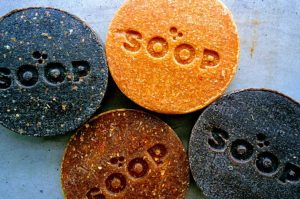 Duurzaam geschenk zeep gemaakt van  sinaasappelschillen