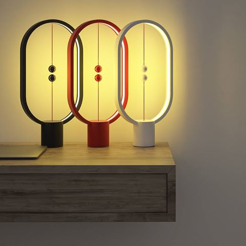 HENG Balance Lamp Ellipse (Wit, Rood, Zwart)
