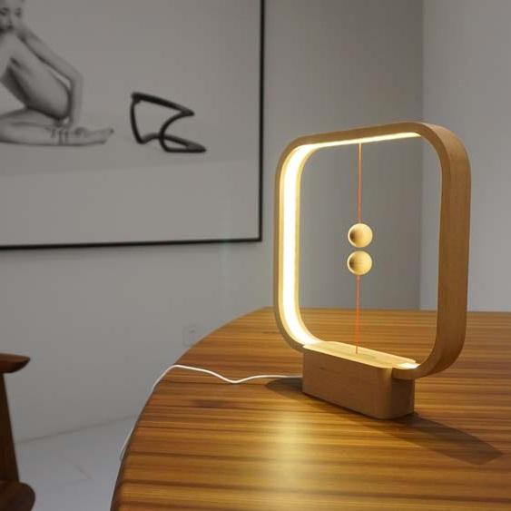 HENG Balance Lamp Square Light Wood als relatiegeschenk bedrukt met logo