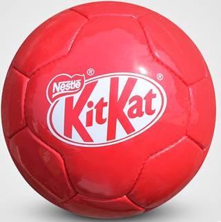 Bedrukte voetbals als relatiegeschenk