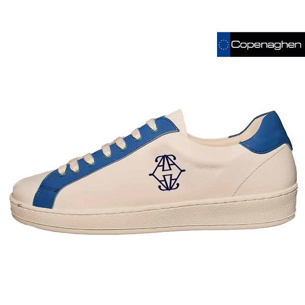 2021 Model Copenaghen schoen met logo Made in Europe als relatiegeschenk
